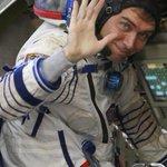 Космонавт Сергей Волков, который 2 сентября летит на МКС, наконец-то завёл твиттер, подписываемся! http://t.co/LbPav5kFo8 @Volkov_ISS
