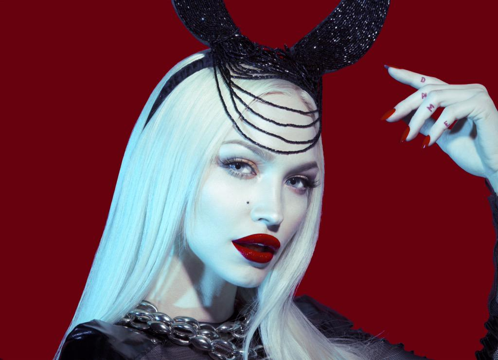 Tomorrow @ivylevan performs at Living Room Bar from 8-10pm. Check out her tracks on @SoundCloud before the show http://t.co/UYI3wtoRK4