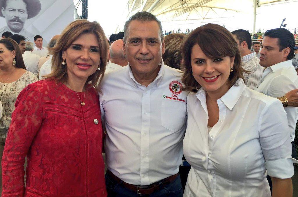 Con la Gobernadora electa de #Sonora @ClaudiaPavlovich y el Líder del @PRI_Nacional  @MFBeltrones #Durango @CNC_CEN http://t.co/hnEbeYcsM0