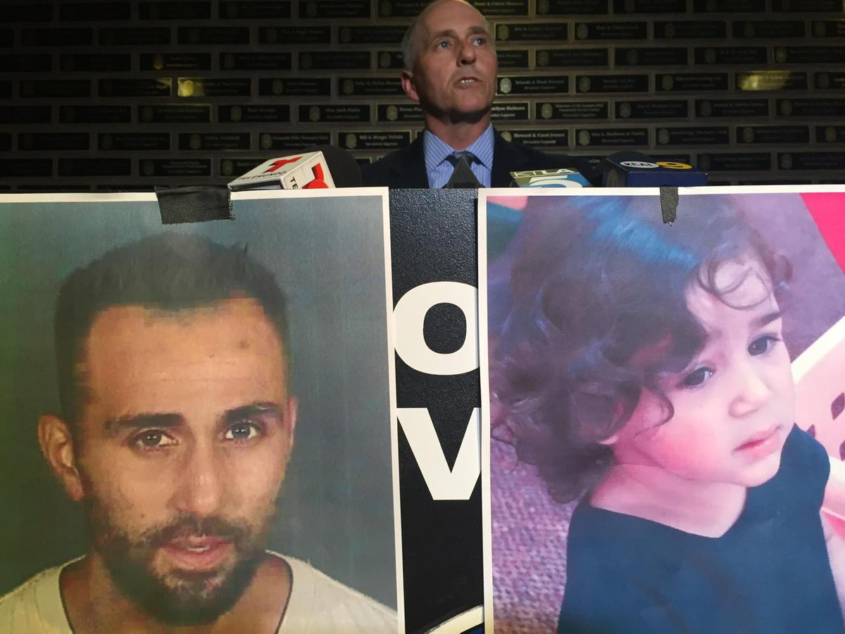 #BREAKING: #AmberAlert for 2 yr old girl taken by father at gunpoint from #DCFS in #Chatsworth. http://t.co/6sI9iXa6P8