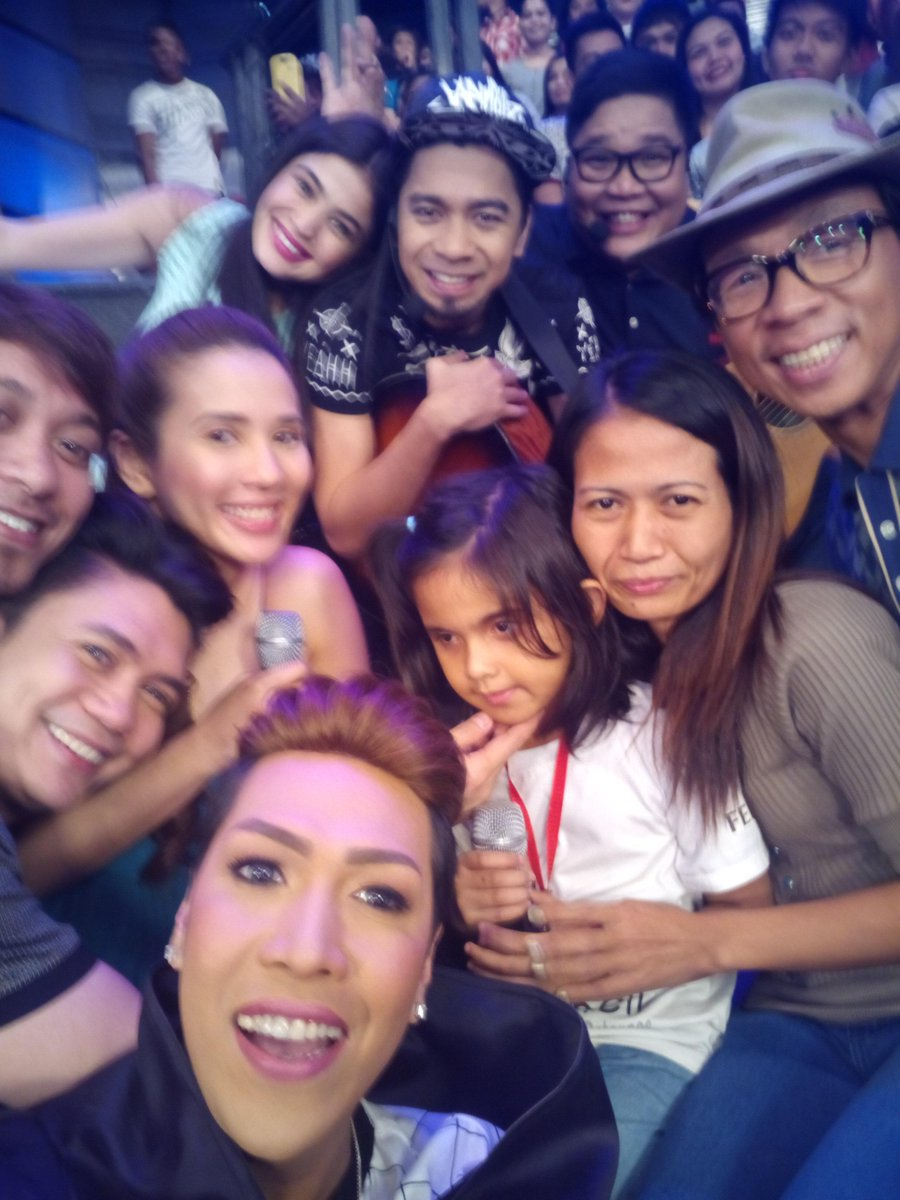 #ShowtimeHappyHuwebes http://t.co/bT9ftFps4c