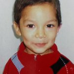 Horrible: Con signos de estrangulación encuentran a niño extraviado de Molina, #Curicó. http://t.co/UeI5GFyzdW http://t.co/UqcKD2AaWA