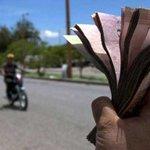 "Así opera ""el cambiazo"" en la frontera para devaluar al bolívar http://t.co/M8jFR6Wae9 http://t.co/eiPP1LwO1W"