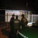 Personal de Labocar,junto con la fiscal jefe d Molina se constituye en la casa donde vivía el menor fallecido #Molina http://t.co/M9LNIKQi5x