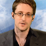 Edward Snowden Weighs In on Hillary Clintons Email Problem http://t.co/VzVYmCQW5n (VIDEO) http://t.co/LauwEUCJVg