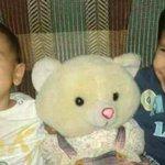 Este nene, a la izquierda, era Aylan Kurdi antes de morir ahogado por intentar llegar a una frontera que lo rechazaba http://t.co/t8GCccAfB8