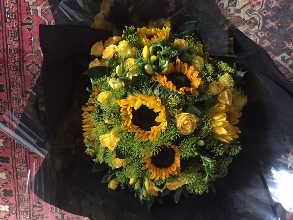 @leonalewis thanks for the flowers! Really enjoyed working with you xx http://t.co/c4qxCabBVl
