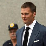 Judge lets Tom Brady play, ruling against NFL in Deflategate http://t.co/vrkPZuwlRQ http://t.co/L6Iv8r7c7o