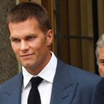 JUST IN: Tom Bradys 4-game suspension overturned by federal judge #deflategate http://t.co/umm2KYeWmD http://t.co/t8dDRIWSGO