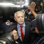 #Guatemala Otto Pérez Molina llegó a los tribunales a rendir su declaración. http://t.co/evdSVUSIWA http://t.co/jJa28ICkLM