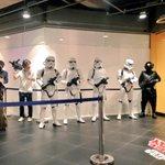 解禁直前の様子です! #ForceFriday #渋谷ロフト http://t.co/R2Jk0ajv4Q