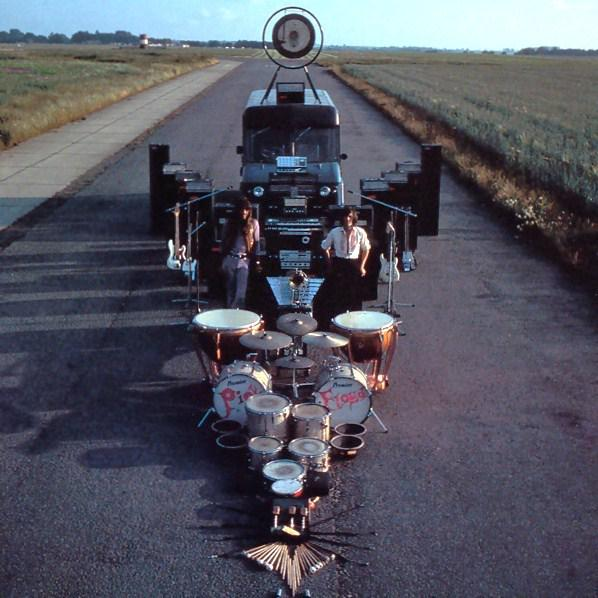 Hello #gearporn! #tbt to the @pinkfloyd 'Ummagumma' back cover. http://t.co/fWJn6xRIT1