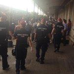Auch Flüchtlinge die etwa versuchen mit Regionalzug nach Györ zu kommen werden von ungarischer Polizei aus Zug geholt http://t.co/3nIhElNsSE