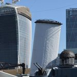 Walkie Talkie Wins Crappy Building Award http://t.co/h8vZNmo88G #London #LoveLondon http://t.co/5wYgWRWHT1