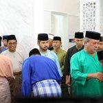 Baju Melayu Teluk Belanga lambang JOHOR http://t.co/77wNKY0vSf