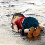 If this painful & shocking image would not change Europes attitude to refugees, what will? #ShameOnArabRulers http://t.co/xAHUXMT323
