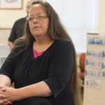 BREAKING: Judge orders #KimDavis to jail for holding up marriage licenses http://t.co/onMIPwlhzx http://t.co/DhW6ufTkAP