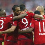 Bayern Munich to provide #refugee children with food, German lessons, football equipment http://t.co/JfoH9dPSo1 http://t.co/woV0QM33vD