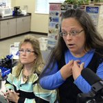 Breaking: Kentucky clerk held in contempt of court for refusing to issue gay marriage licenses http://t.co/PKFZs2o8Ub http://t.co/BsMeTo0et8