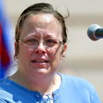 JUST IN: Kentucky clerk who refused marriage licenses for gay couples taken into custody http://t.co/20WzJQVzXm http://t.co/xOIIhhGOMR