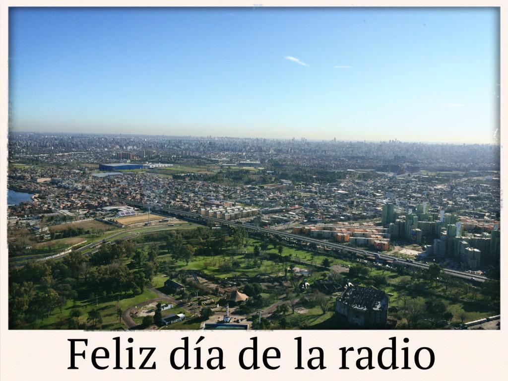 Nuestra vista por el día #MetroEnElAire #FelizDiaDeLaRadio http://t.co/jbZLANXEmG