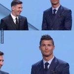 La cara de Cristiano durante la gala de la UEFA http://t.co/7QeMm2hUKT http://t.co/9NkF2EYt0a