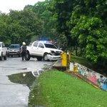 Auto choca contra puente cerca del colegio Chino Panameño. #TuReportas FOTO: @oscarsancheztv http://t.co/uz3RHtsRc9