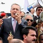 En Video: vea la pataleta de Álvaro Uribe Vélez frente a Consulado de Venezuela en Bogotá http://t.co/K5fI8hrwxN http://t.co/y0EA1mwBaW .