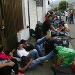 Alcalde de Cúcuta se autoculpa y reconoció no tener medios para atender a sus conciudadanos http://t.co/I1L6DpvC8p http://t.co/zjKOirsYd5