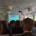 @FjllgrdJoakim föreläser på #ehandel031. http://t.co/z10G4HoEpr
