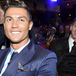 Lionel Messi with the photobomb on Cristiano Ronaldo. http://t.co/LknYST7pOQ