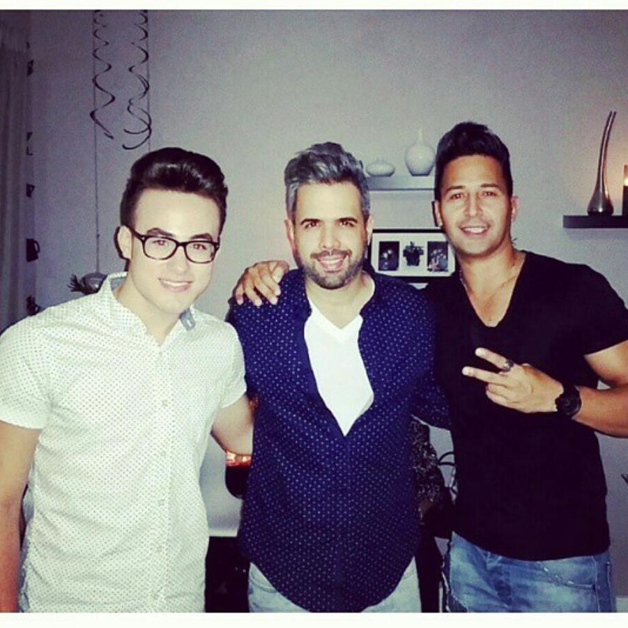 #Tbt @danielsantacruz  @JohnnySkyMusic Salsa y Bachata Gente Talentosa, Si Señorrr!!!!! http://t.co/UJNOISkct6