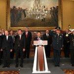 .@EPN emitirá un mensaje a las 14 horas; se prevén cambios en su gabinete http://t.co/1T46pwNak9 http://t.co/ELXrnAg6fw