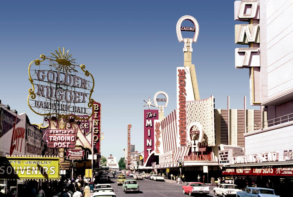Happy #TBT (Throw-back Thursday) Vintage Photo of #FremontStreet and 2nd Ave (1962) http://t.co/rPwTYQAt2R