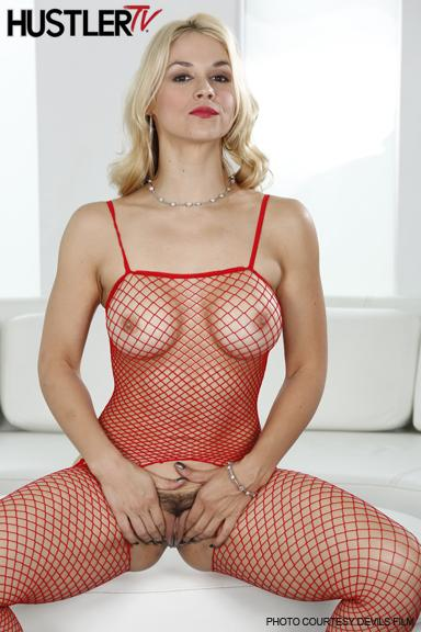 RT : Sexy #blonde on Now in Drill My #Hairy #Bush 3! #seethru #fishnet