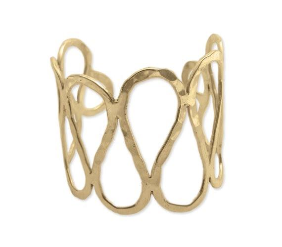 Follow @TwinFishLux on #Instagram and RT for your chance to win this gorgeous Gold Wave Cuff by #TwinFishLux! #TWIFF http://t.co/j5I883ycpG