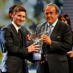 """Picture: Messi receiving """"Best Player in Europe"""" award #fcblive [fcb] http://t.co/YJbuLoLf3W"""