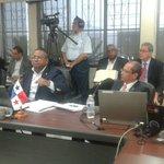 El diputado Raúl Pineda se arrebató en contra del Ministro de Salud Francisco Javier Terrientes, dijo que era el peor http://t.co/gqupVY6rhs