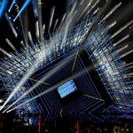 O palco do VMA desse ano já está ficando pronto! Vem Demi! ???? #CoolForTheSummerVMA http://t.co/X6NpinPx5w