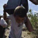 Imágenes desoladoras de la CRUELDAD y VIOLACIÓN DDHH de INDOCUMENTADO cucuteño Maduro&secuaces http://t.co/ya961ptCNg @aser_ne @NegroAcacio