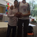 """World's tallest man (8'3"""") poses with former tall person Enes Kanter (6'11"""") http://t.co/vzXE61mvWc http://t.co/KwD1gKZ8Ly"""