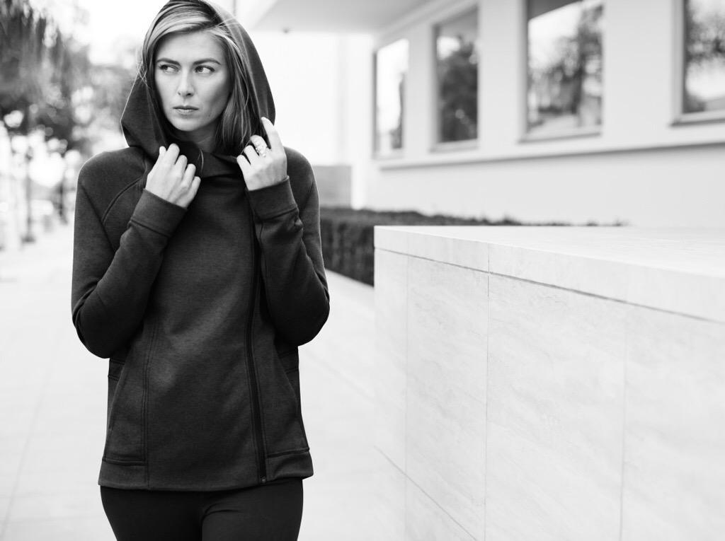 So fierce and so warm in my Nike Tech Fleece Cape. #techpack http://t.co/IN605FFTrb