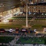 Caravana de camiones finalmente pasó frente a La Moneda http://t.co/S1HBsCF377 http://t.co/gKW7MmUoZq