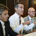 #LA mayor Eric #Garcetti and casey Wasserman talk about LA bid for 2024 #Olympics at: http://t.co/xIfjo3BYEz http://t.co/9sXasJ5sst