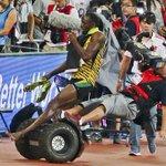 スライドショー:#ウサイン・ボルト が転倒 http://t.co/VzXDT7TC4r ──#世界陸上 男子200メートル決勝で4連覇を決めた直後のボルトに、セグウェイに乗ったカメラマンが突っ込んだ http://t.co/ZYXdjVvck9
