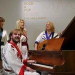 ABBA「ダンシング・クイーン」のピアノ競売に、最高で1.5億円 http://t.co/Uj9KkiHBsn http://t.co/11S2Px04GX