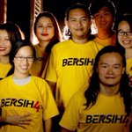 Gelora Kuning by Orfues. Rugi tak tengok video ini sebelum #BERSIH4 https://t.co/eYZ3WxfAGI http://t.co/jXzpzJGL4r