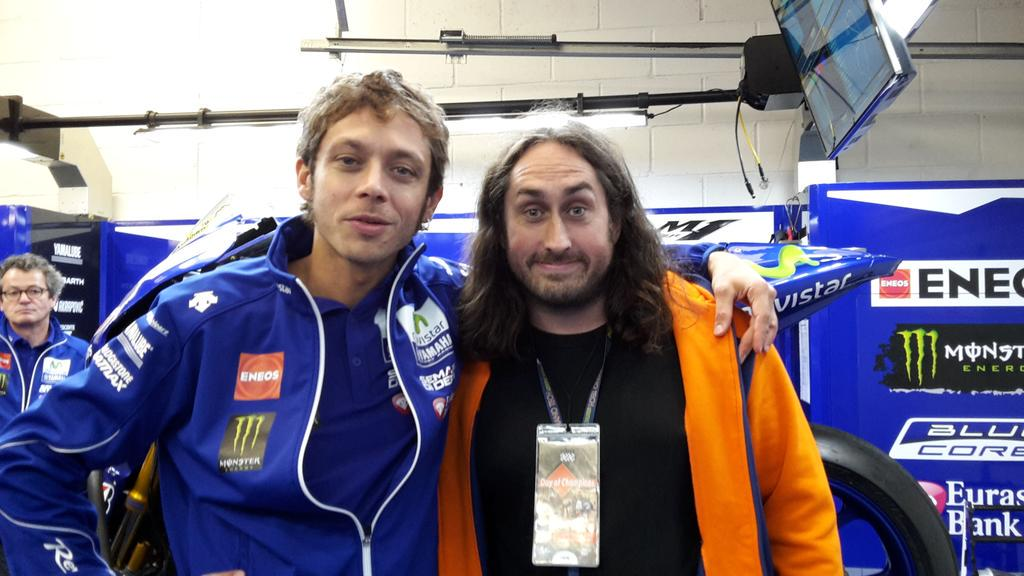 When our great friend and supporter @realrossnoble 'Ross met Rossi' @ValeYellow46 #DayofChampions http://t.co/Yhyf0MlQjs