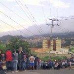 Las indignantes colas en Venezuela este #28Ag (FOTOS) http://t.co/mn4JQvrpRh http://t.co/peO5qg9CzD