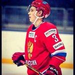 Илья Дервук на авторитете - будет капитанить в молодежной сборной на турнире 4-х наций! Красавец! http://t.co/rkRBIJwdb9